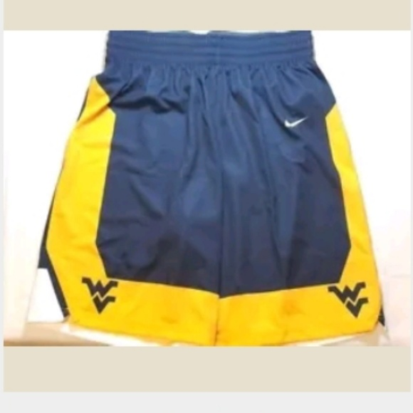 e3238e4a0eb5 Nike Men s L West Virginia Mountaineers Shorts